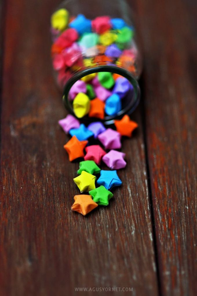 Rainbow DIY Paper Project Torn From The Sky - DIY Fold Lucky Paper Stars homesthetics (15)