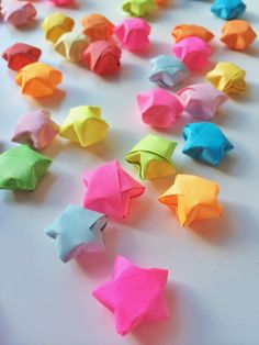 Rainbow DIY Paper Project Torn From The Sky - DIY Fold Lucky Paper Stars homesthetics (20)