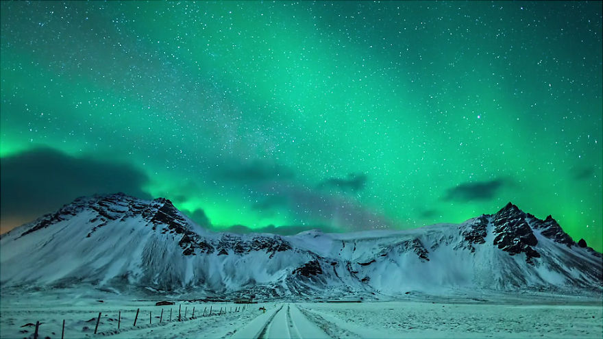 Spectacular and Mesmerizing Aurora Borealis Over Two Lands- Greenland And Iceland homesthetics (3)