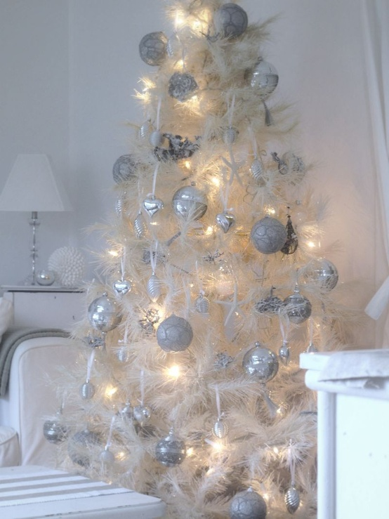 small white christmas tree elegant jeweled gold - Decorating A Small White Christmas Tree