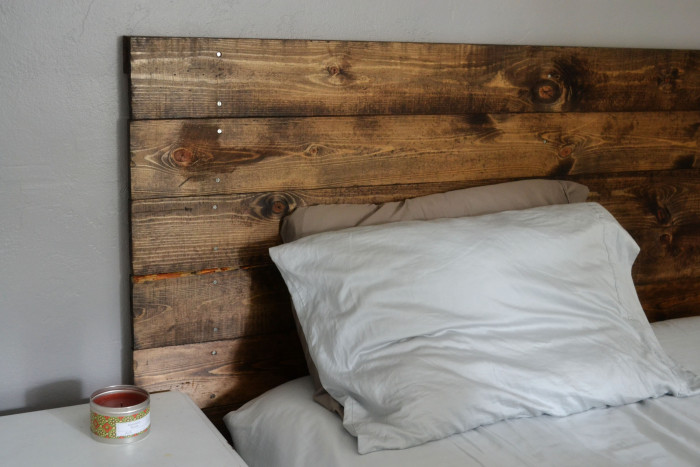 Pallet DIY Headboard Ideas for Your Bedroom