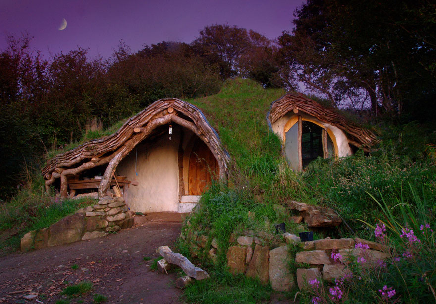 20 Perfect Lonely Little Houses Blending in Nature For The Quiet Calm Solitary Souls  homesthetics (2)