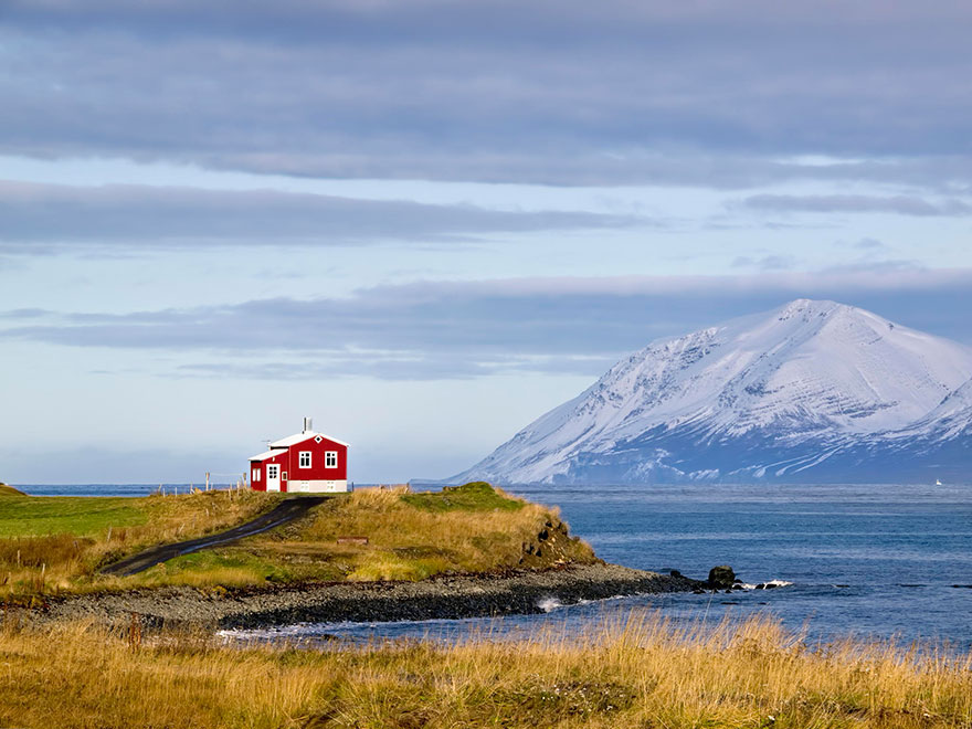 Outstanding 20 Perfect Lonely Little Houses Blending In Nature For The Download Free Architecture Designs Scobabritishbridgeorg