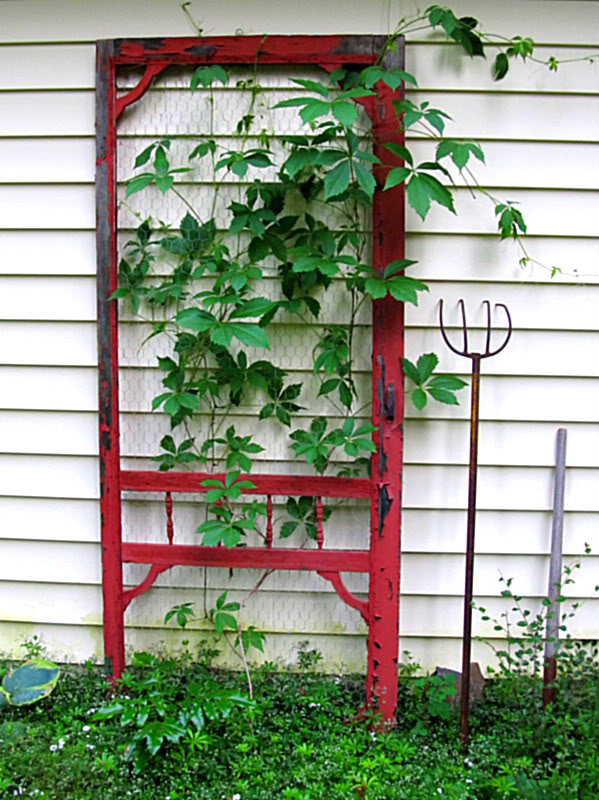 30 Fun Ideas On How To Recycle Old Doors-homesthetics.net (34)