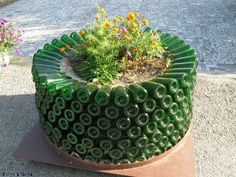 32 Insanely Beautiful Upcycling Projects For Your Home -Recycled Glass Bottle Projects homesthetics decor (10)