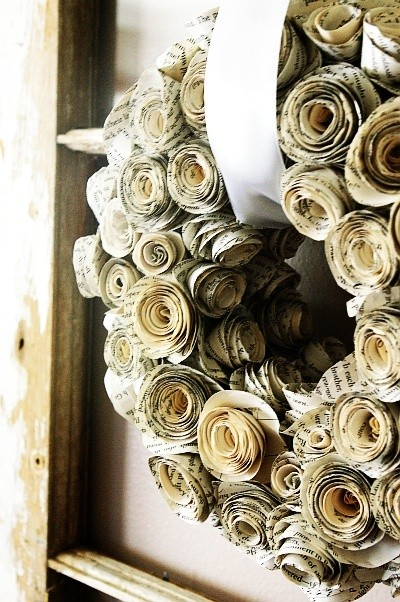 35 Sensible Vintage-Like DIY Book Paper Decoration Projects For Your Home homesthetics decor (11)