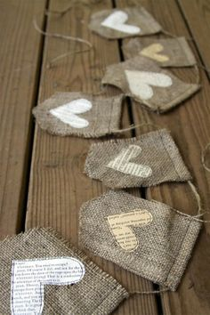 35 Sensible Vintage-Like DIY Book Paper Decoration Projects For Your Home homesthetics decor (5)