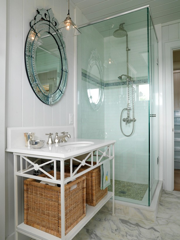 Add Glamour With Small Vintage Bathroom Idea(13)