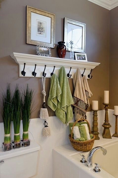 Add Glamour With Small Vintage Bathroom Idea (19)