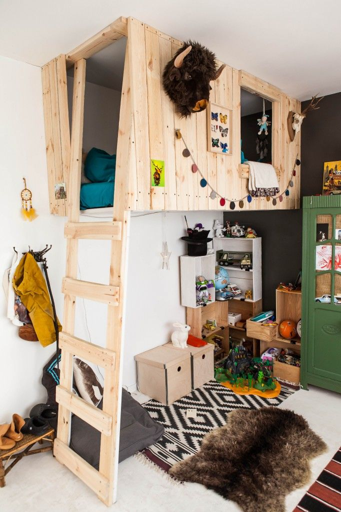 Creatively Recycling Ideas-Top 20 Pallet Beds -homesthetics (16)