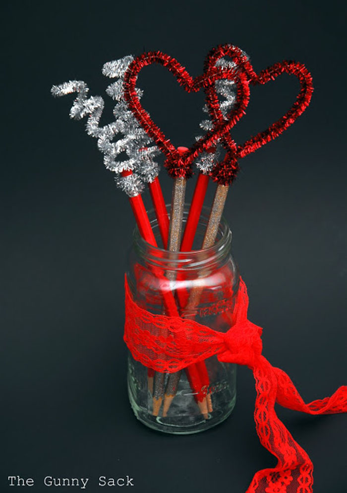 Get Ready For The 14th Of February Early With Valentines Mason Jars-homesthetics.net (8)