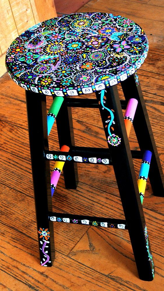 23.DECORATE YOUR CHAIRS