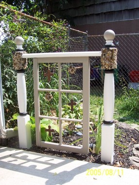 How to Use Old Windows In Your Garden and Yard homesthetics decor (15)
