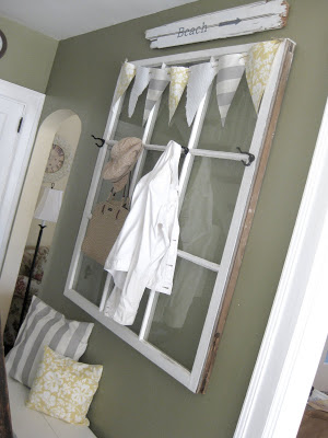 Ideas for Using Salvaged Windows With Wooden Sashed Panels homesthetics decor (1)