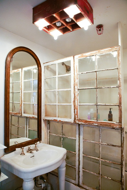 Ideas for Using Salvaged Windows With Wooden Sashed Panels homesthetics decor (20)