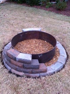 Plan Your Backyard Landscaping Design Ahead With These 35 Smart DIY Fire Pit Projects homesthetics backyard designs (13)