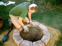 Plan Your Backyard Landscaping Design Ahead With These 35 Smart DIY Fire Pit Projects homesthetics backyard designs (18)