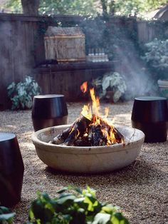 Plan Your Backyard Landscaping Design Ahead With These 35 Smart DIY Fire Pit Projects homesthetics backyard designs (29)