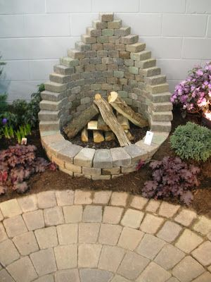Plan Your Backyard Landscaping Design Ahead With These 35 Smart DIY Fire Pit Projects homesthetics backyard designs (30)