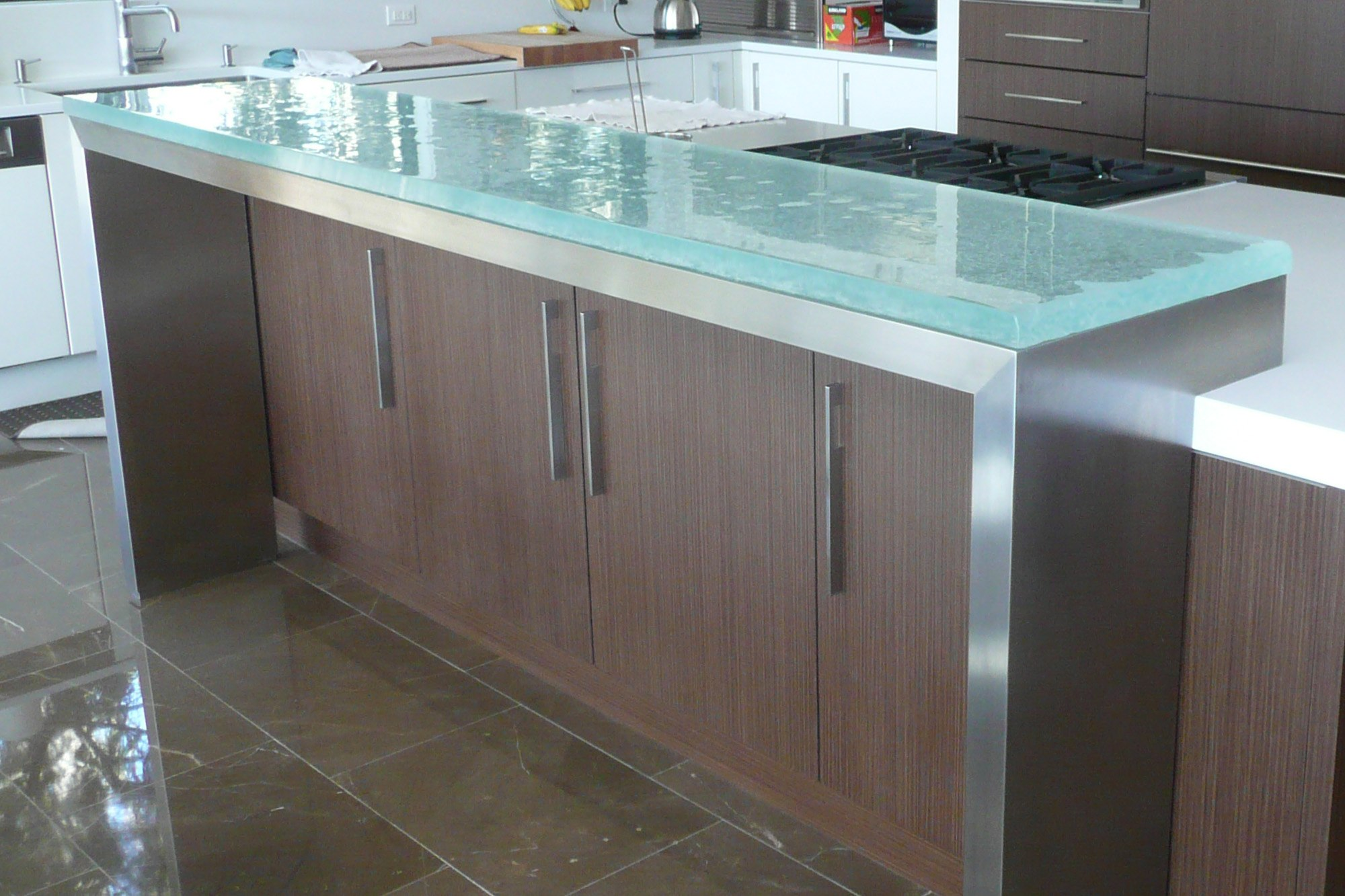 The Ultimate Luxury Touch For Your Kitchen Decor - Glass Countertops homesthetics (10)