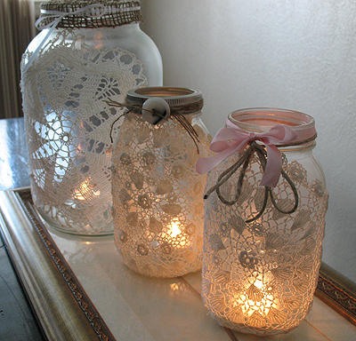 ADD SOME BURLAP AND DOILIES TO YOUR JARS