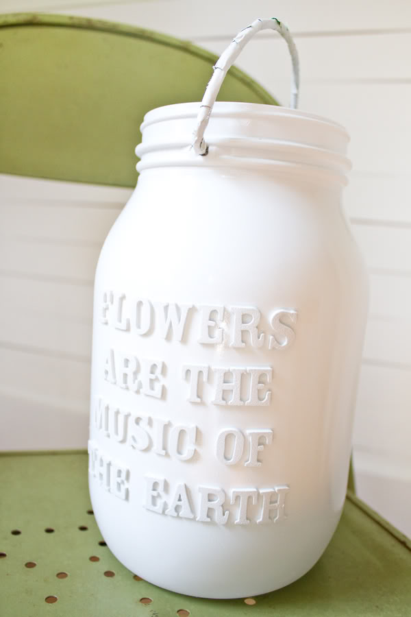 MAKE A UNIQUE LETTERED JAR