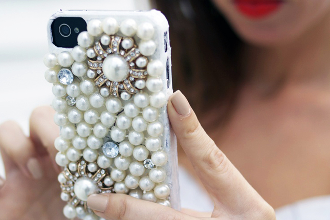 Accessorize And Decorate With These 25 DIY iPhone Cases-homesthetics.net (17)