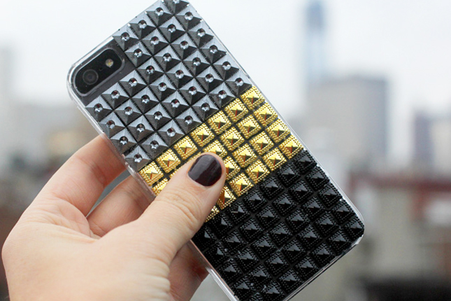 Accessorize And Decorate With These 25 DIY Phone Cases-homesthetics.net (8)