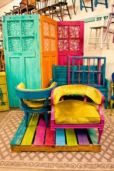 Colorful Upcycling Furniture Projects (5)