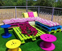 Colorful Upcycling Furniture Projects (6)