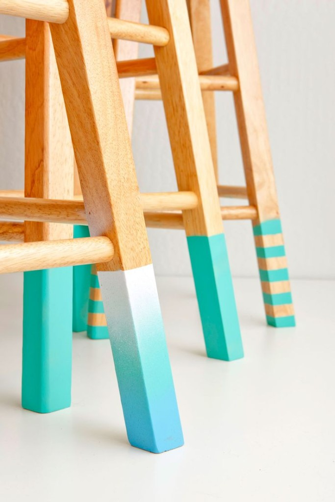 Colorful-Upcycling-Furniture-Projects-homesthetics.net (20)
