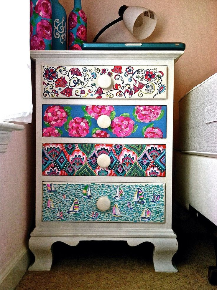 Insanely smart creative and colorful upcycling furniture for Furniture upcycling