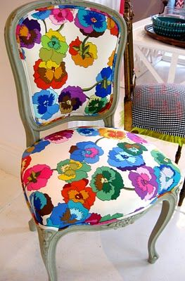 Colorful-Upcycling-Furniture-Projects-homesthetics.net (27)
