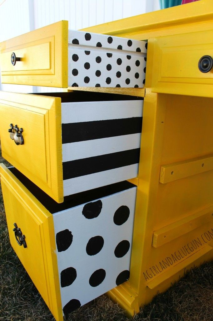 Colorful-Upcycling-Furniture-Projects-homesthetics.net (3)