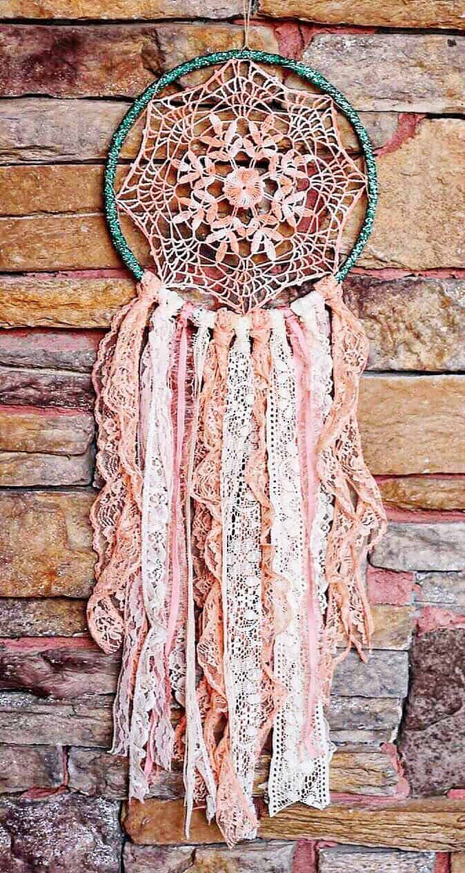How to Make aan Inspirational Dreamcatcher with Lace
