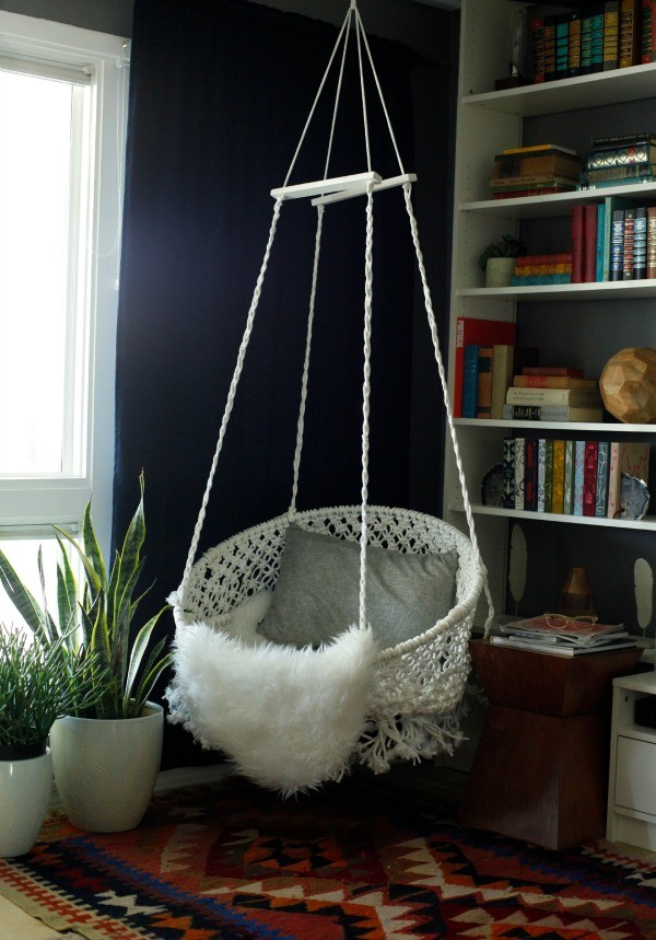 Top 10 DIY Hanging Chairs Projects To Try This Spring Homesthetics.net (1
