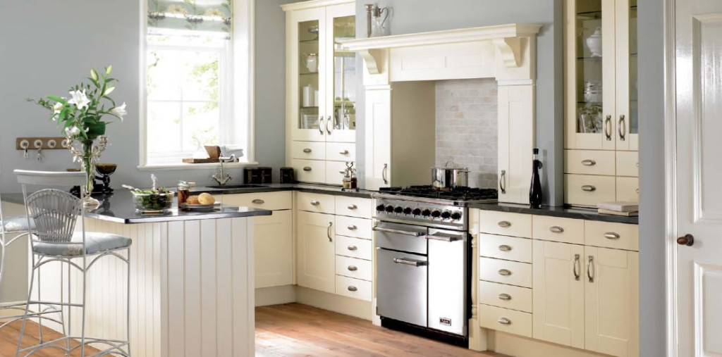shaker-traditional-kitchen-practical-and-tempting