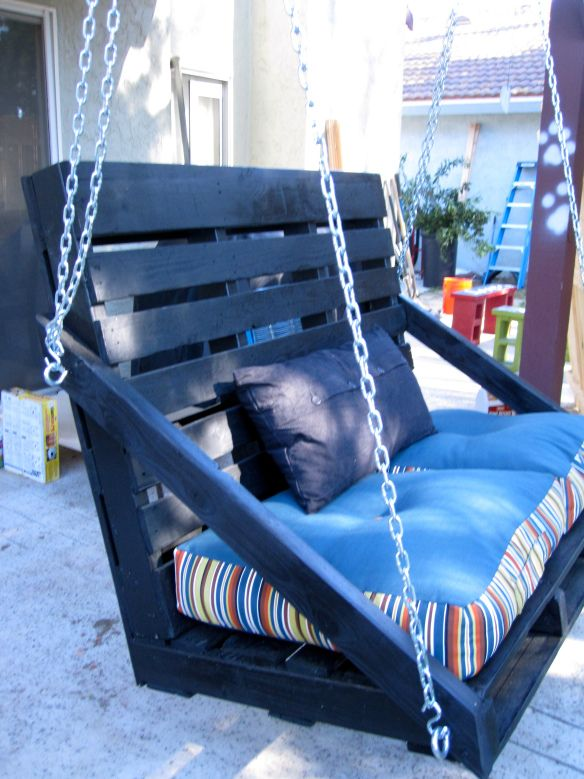 #11 RECYCLED WOODEN PALLETS SWING