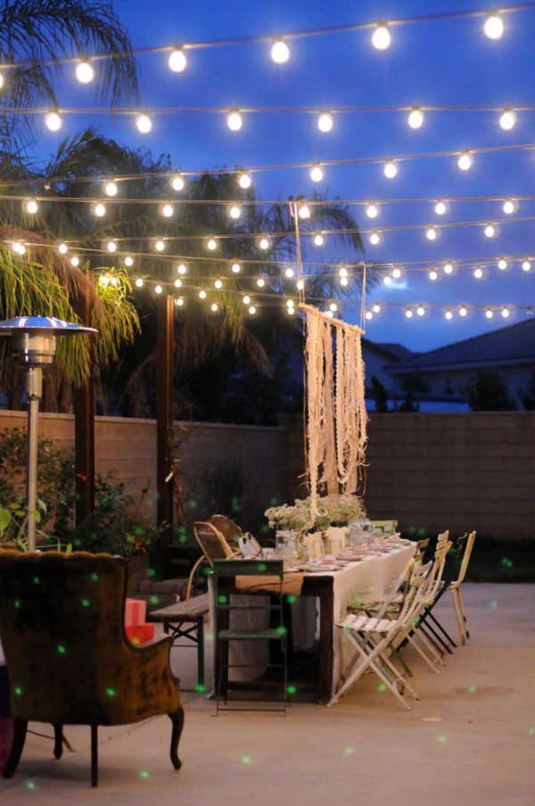24 jaw dropping beautiful yard and patio string lighting - Small backyard landscape designs ...
