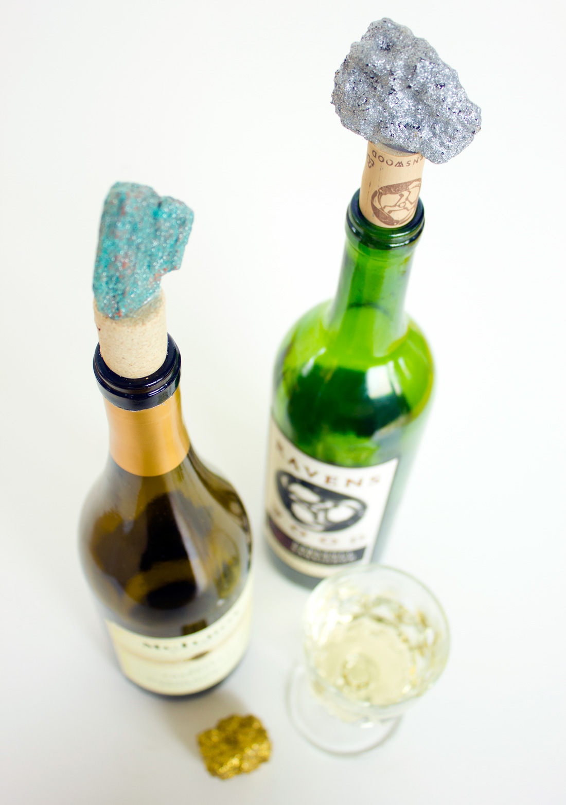 27 Insanely Beautiful Homemade Wine Bottle Cork Projects