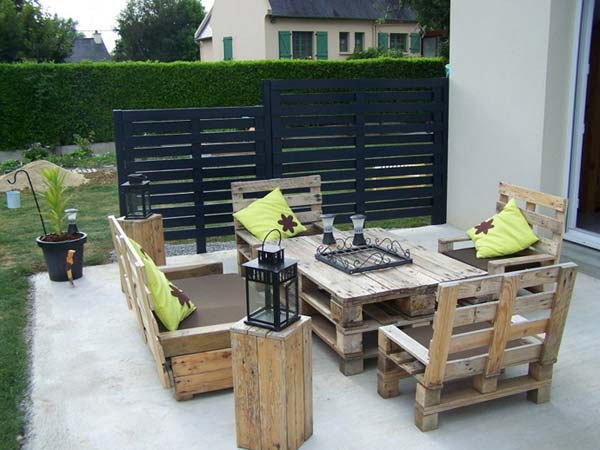 #19 COMPLETE PATIO FURNITURE SET MADE FROM WOODEN PALLETS