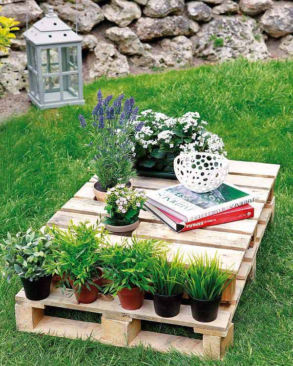 #2 CREATE AN OUTDOOR READING NOOK EMBEDDED IN GREENERY