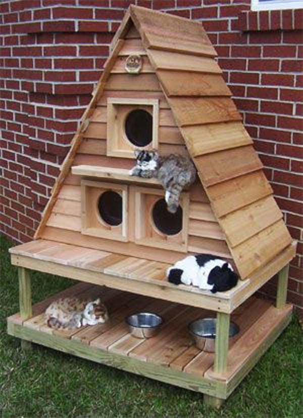 #34 OUTDOOR SMALL CASTLE FOR ANIMALS