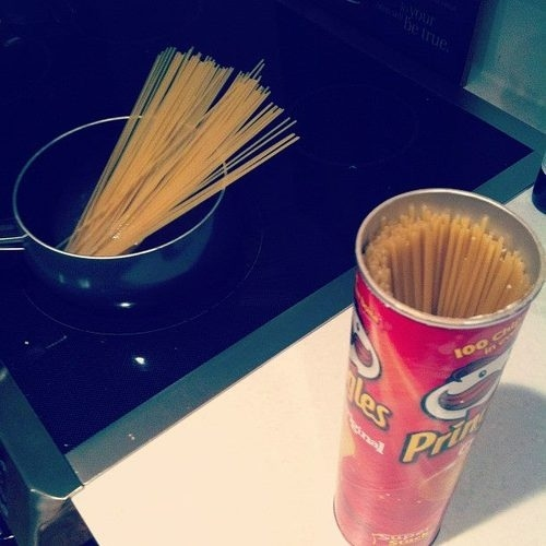 54. KEEP PASTA IN PRINGLES CONTAINERS