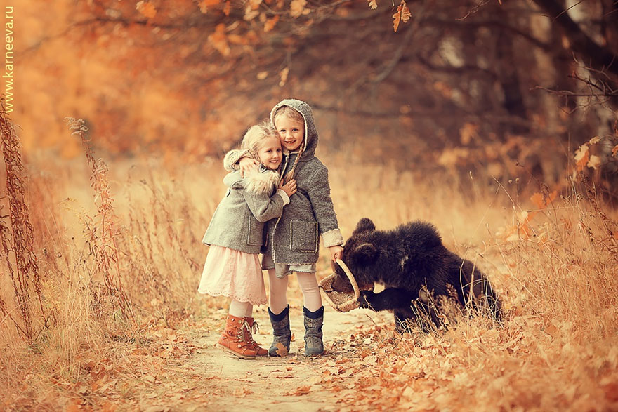Children And Animals Cuddle In Cute Photoshoots By Russian Photographer Elena Karneeva homesthetics decor (12)