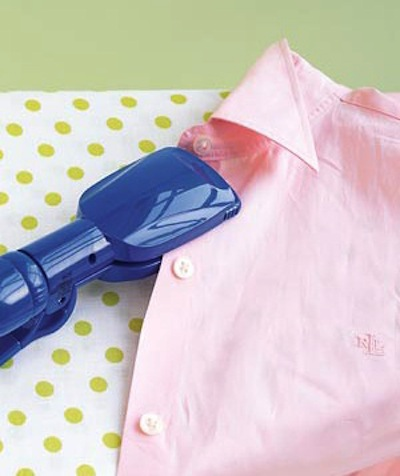 20. USING A HAIR STRAIGHTENER AS A FABRIC IRON