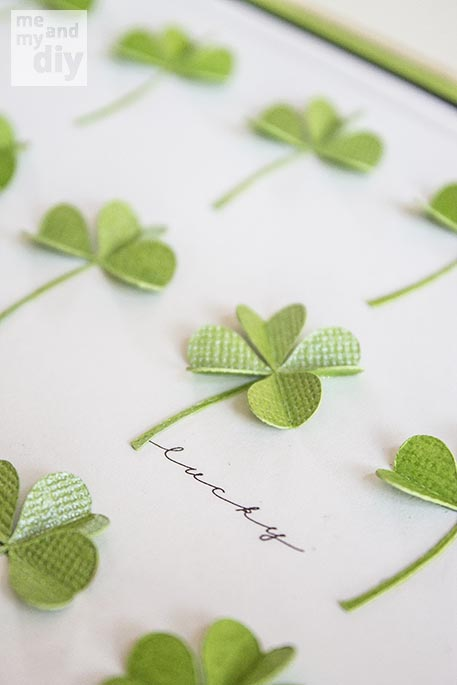 Simply Beautiful DIY March Lucky Shamrock Calendar [Free Printables Included] homesthetics diy tutorial (6)