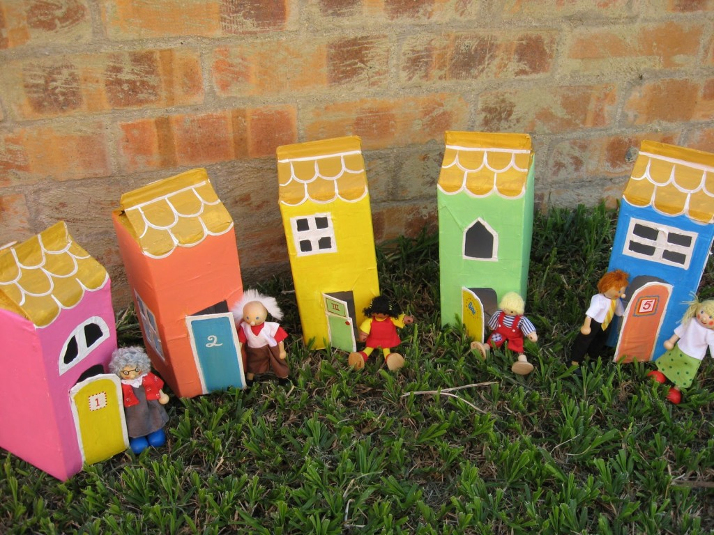 2. COLORFUL PLAY VILLAGE FROM JOYFUL MAMA'S PLACE Paper Mache Projects-homesthetics.net (18)