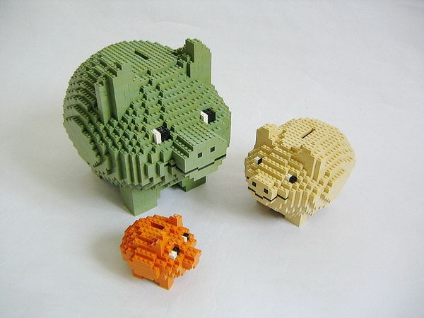 #12 CREATIVE LEGO CRAFTED PIGGY BANKS