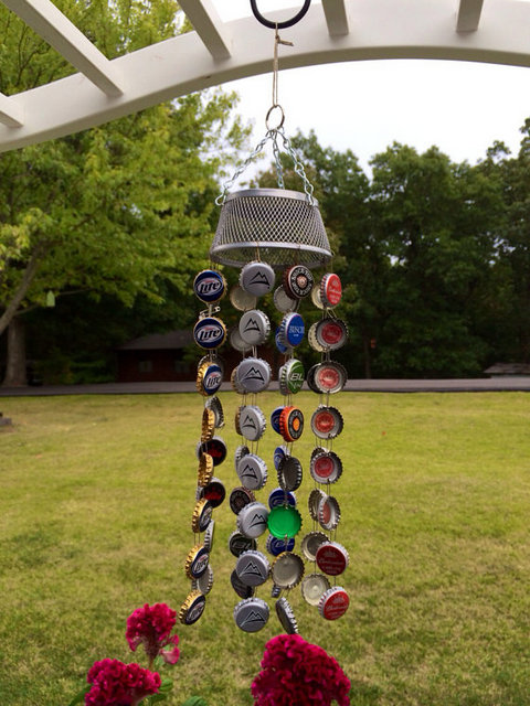 20 Ingenious Bottle Cap Crafts That Will Surprise You With a Smile homesthetics decor (18)